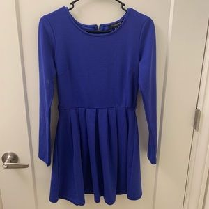 Blue long-sleeve dress